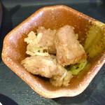 蔵元居酒屋 清龍 - 小鉢は魚の竜田揚げ。 こんなのも居酒屋ランチならでは(^^)