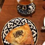 タバスム - サモサとチャイ