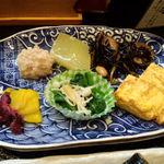 魚忠 - (日替わり定食の)お惣菜盛り合わせ