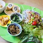 Kazamidori - お惣菜とサラダのプレート