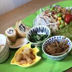 Kazamidori - ランチセットのサラダとお惣菜