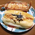 ベルテコ - 料理写真:明太スパゲティサンド(手前)
