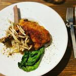 149842894 - メイン 絶対食べろ                         【 若鶏もも肉のコンフィ】                         骨からの身離れが良く、サクッ!パリッ!の美味さ。                         むしゃぶりつきたくなる柔らかさ。最高です。