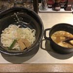 ほそ道 - もつカレーつけ麺(〆ご飯付き)1000円(税込)