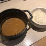 ほそ道 - 〆ご飯(もつカレーは温めなおしてくれます♪)