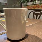 アース カフェ - 今日のコーヒー SMALL(税込 380円)評価=△