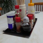 富士見軒 - 料理写真:テーブルの卓上