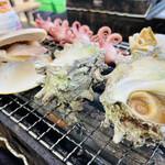 カキ小屋 - サザエ、はまぐり、つぶ貝、タコ