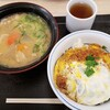 かつや - 料理写真:カツ丼(梅) 539円 豚汁(大) 176円