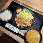 149884787 - 生姜焼き定食オススメ盛@1000円