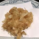 天ぷら新宿つな八 - 潮浜4620円。小海老のかき揚げ。大好物です。とーっても美味しかったです(╹◡╹)(╹◡╹)