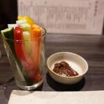 大銀杏 - 野菜スティック、名古屋らしく味噌だれで♪