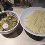 東京アンダーグラウンドラーメン 頑者 - つけ麺ライト 880円 中盛 0円