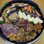 一福寿司 - お正月限定のオードブル。お子様にも満足していただけるよう、内容を吟味してお作りしております。