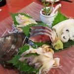 かん田新月 - 刺三点盛り+北寄貝