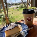 メッツゲライ・イケダ - 料理写真:バスクチーズケーキ