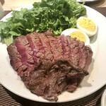 肉塊 UNO - 柔らかい赤身熟成系牛肉