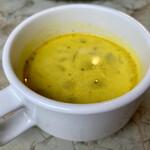 シャンデリア テーブル - ランチのスープ