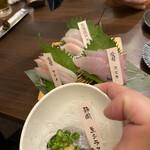 日本酒商店 YODARE - 3点盛りに一品サービス!