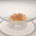 149943553 - ホワイトアスパラのムース 雲丹 サザエ トマトエキスを抽出したジュレ
