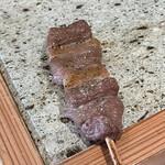 鳥歐 - ジビエの猪串。                                 美味し。