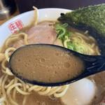 麺屋 庄太 - スープ