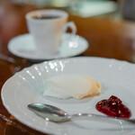 カフェ・フォリオ - レアチーズケーキ