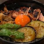 毘央志 - 鶏焼き丼