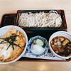 花村 - 料理写真:志の田そば+半親子丼セット 880円