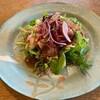 カルティベイト - 料理写真:三重県産豚しゃぶのサラダ新玉ねぎの油淋ソース