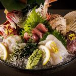 晴天の月 - 産直鮮魚のお造り盛り合わせ
