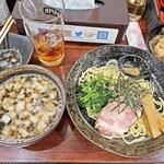 横浜らーめん 七七家 - 料理写真:「塩つけ麺」麺半分