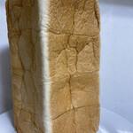 高級「生」食パン 乃が美 - レギュラー (2斤)サイズ ¥864円(税込)  縦にした