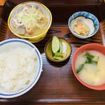 お食事処 田舎 - 料理写真:「豚もつ煮定食」500円税込み