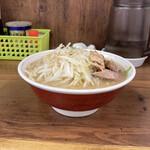 ラーメン二郎 - ラーメン小、麺は普通ラーメンの1.5倍