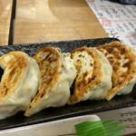 餃子製作所 酔処 土竜 - にんにく餃子(4ケ) 530円