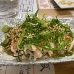 餃子製作所 酔処 土竜 - もものタタキ 750円