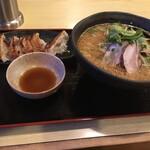 ら~めん食事処 ひまわり - 料理写真: