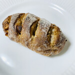 ブランジュリ P&B - マロングラッセとくるみとハチミツのスペショー☆彡.。美味しすぎる贅沢なハードパンです。