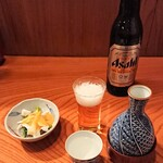 149997629 - お酒は菊正宗の熱燗。ビールは小瓶で。 お通しは「烏賊の酢味噌あえ」