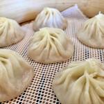 台湾料理 鼎 - 料理写真:小籠包2人前。蒸したて〜!