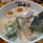 らーめん桃源 - コッテリうましお940円、ミルク風味のうましおにクリームプラス