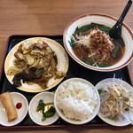 台湾料理 福龍  - 料理写真:回鍋肉ランチ、台湾ラーメン。