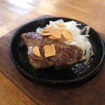 肉バル BEEF KITCHEN STAND - 名物ビフテキ(50g) 319円