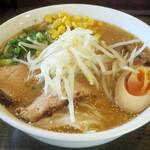 らーめん岬 - 料理写真:味噌ワンタンメン1,100円