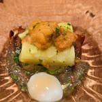 Owatari - 【先付2】 ホワイトアスパラ、雲丹のせ、アスパラの煮汁と鰹出汁のジュレ、燻製蛍烏賊、トリュフ風味のウズラ温泉卵のビスマルク風、木芽添え