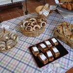パン工房 風見鶏 - ハード系のパン