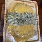 まきいし - 料理写真:陶板焼きのハンバーグです。2人前です
