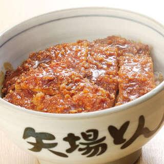 名古屋が誇る名物「みそかつ」はアツアツご飯と一緒に堪能◎