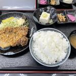 旬菜四季工房 瑠々花 - 油淋鶏定食ライス大盛